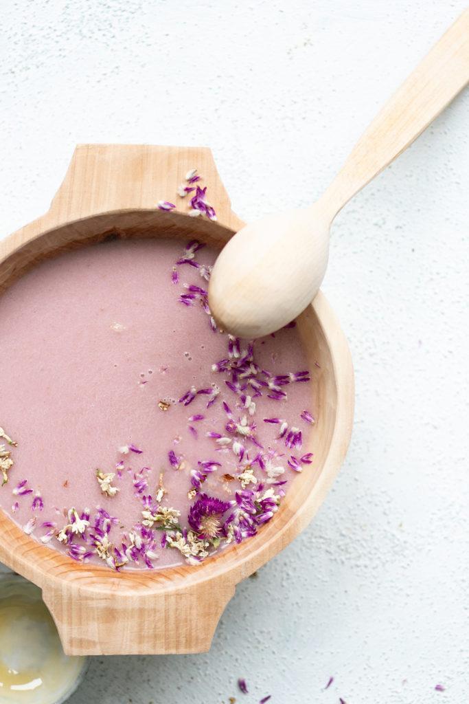 Radieschensuppe mit Kokosmilch - vegan | Gesunde vegane Rezepte, Fermentation, Nachhaltigkeit - Syl Gervais