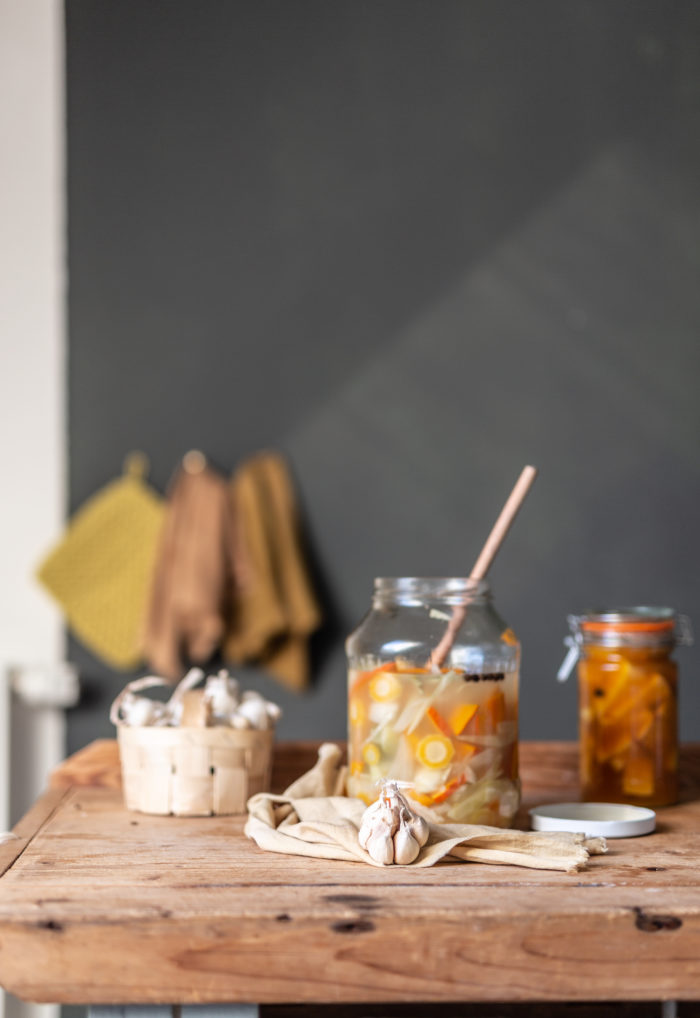 fermentiertes buntes gemüse