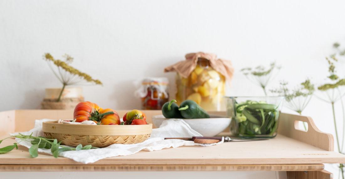 Gurkenspaghetti mit Gurken Tomaten Salbei Soße | Gesunde vegane Rezepte, Fermentation, Nachhaltigkeit - Syl Gervais