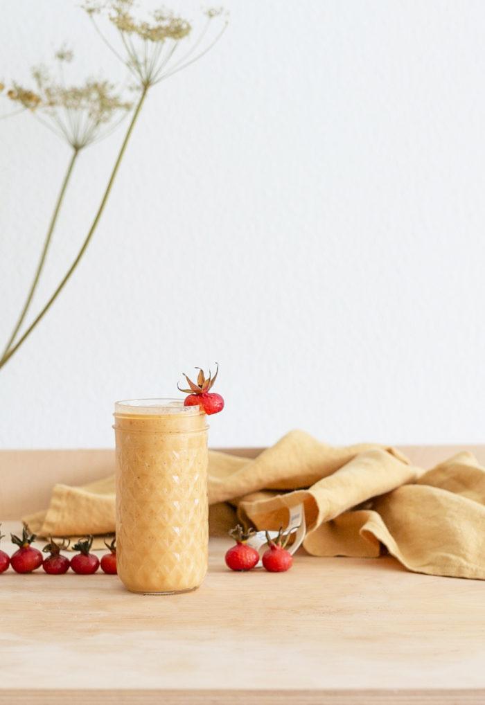 frische hagebutten smoothie