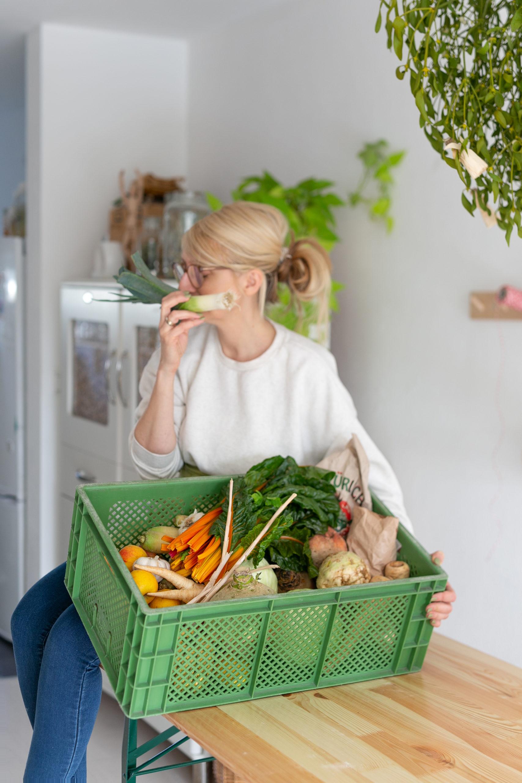 Syl loves und Gemuese Kiste mit Gemüse für Steckrübe Schnitzel